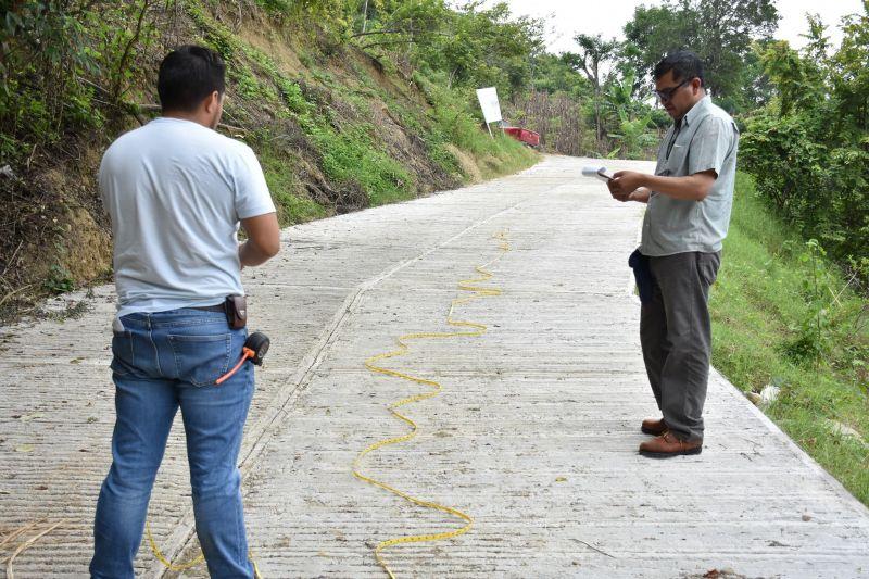 Secretaria de Contraloría y Obras Públicas supervisan obras en localidades.
